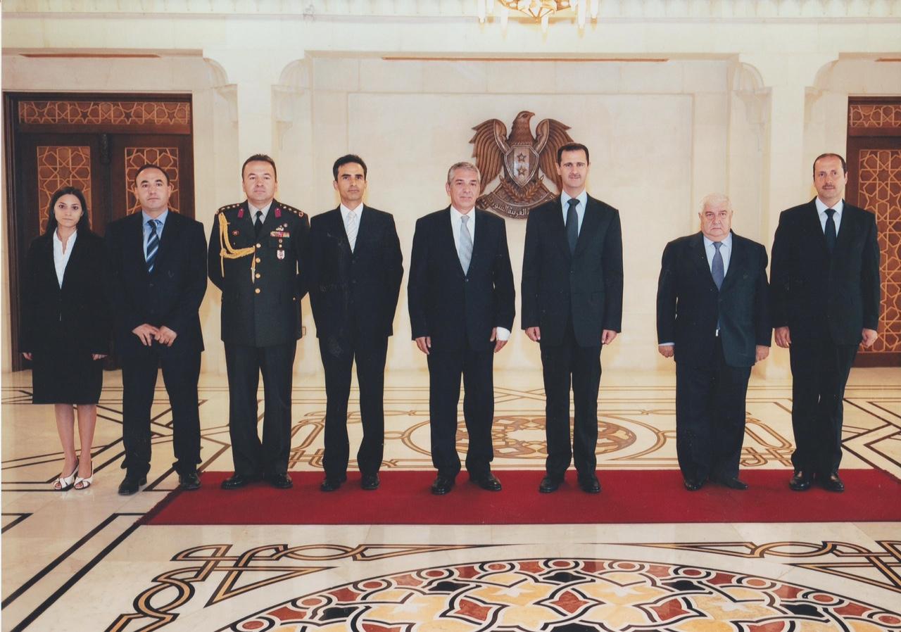 Büyükelçi Ömer Önhon'un Suriye Devlet Başkanı Beşar Esad'a güven mektubu sunma töreni (15 Eylül 2009)